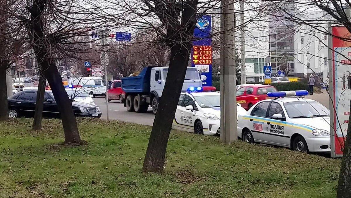 взрыв в Черновцах украина полиция