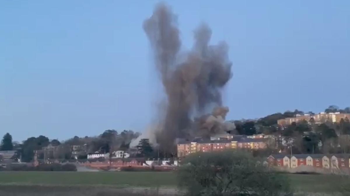 подрыв бомбы в Эксетере