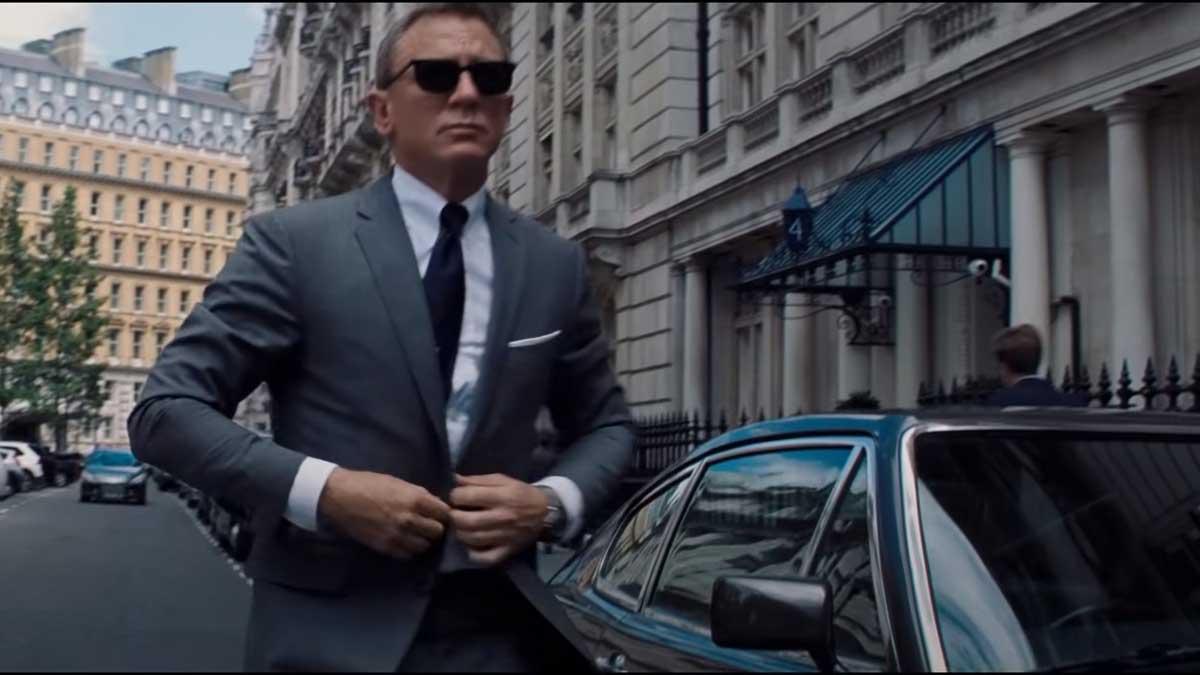 кадр из фильма Джеймс Бонд