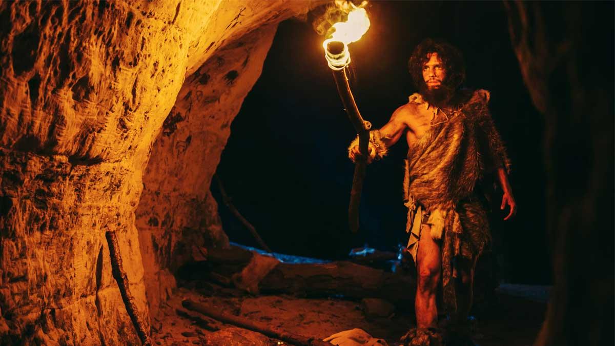 neanderthals мужчина с факелом неандерталец