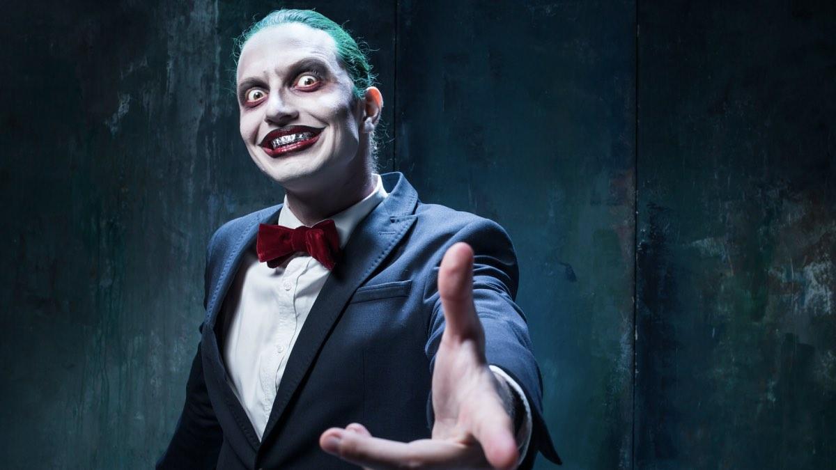 психопат улыбается