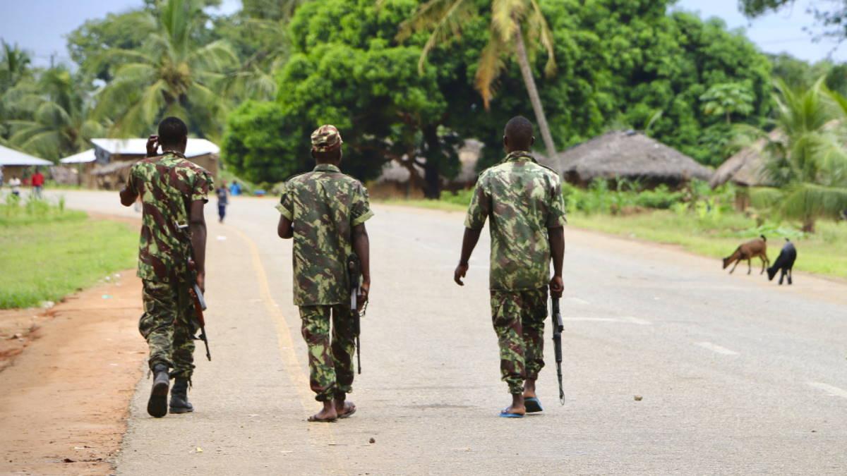 Мозамбик солдаты