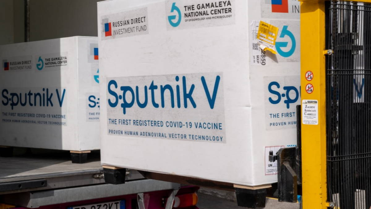 Вакцина от коронавируса Спутник V упакованная для экспорта
