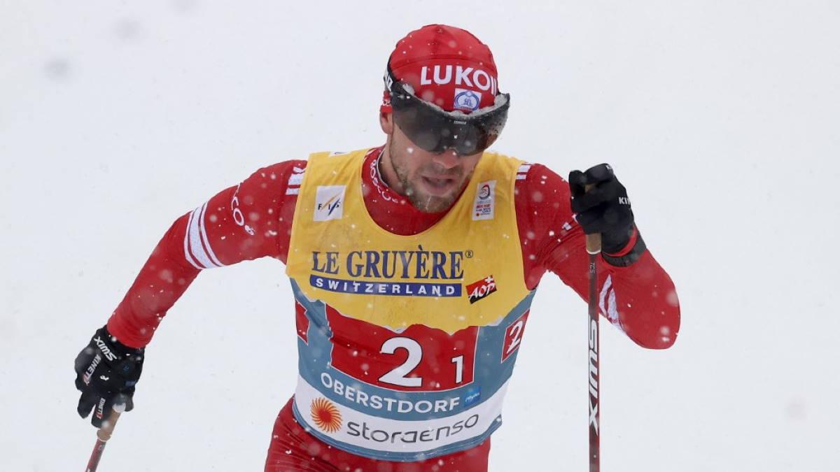 Российский лыжник Алексей Червоткин