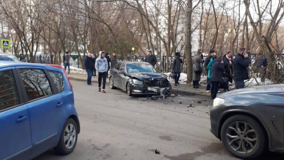Автомобиль сбил двух женщин в Москве