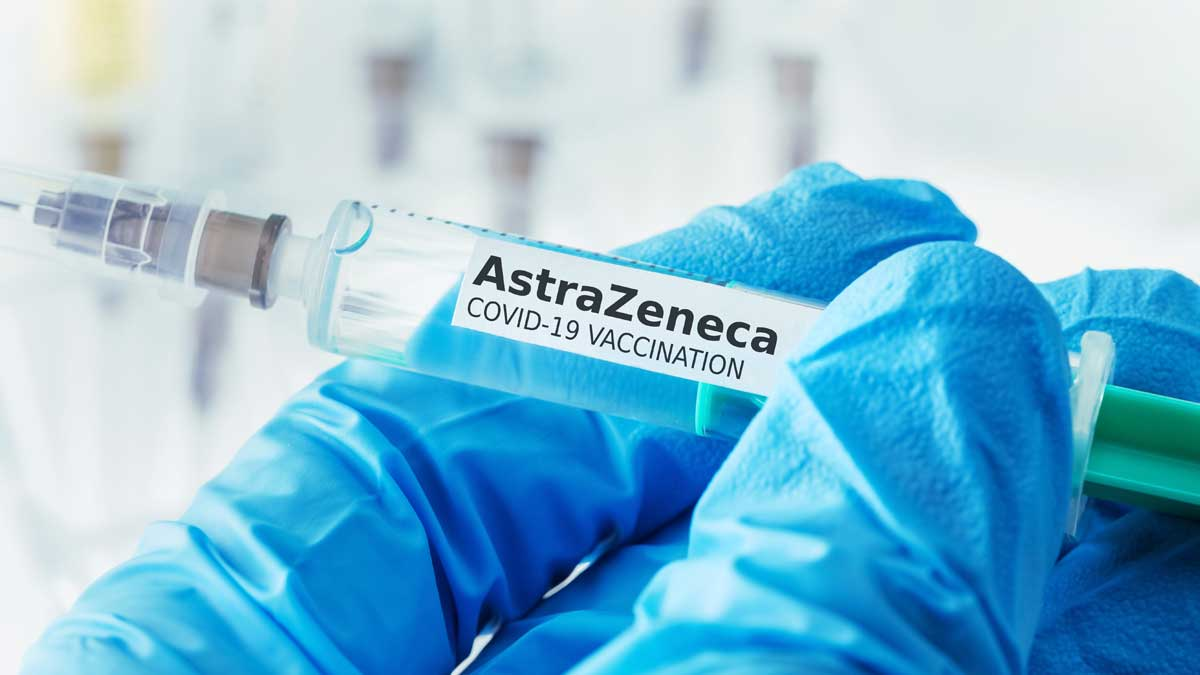 AstraZeneca шприц руки вакцина