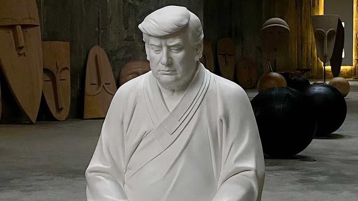 Дональд Трамп статуя Будда