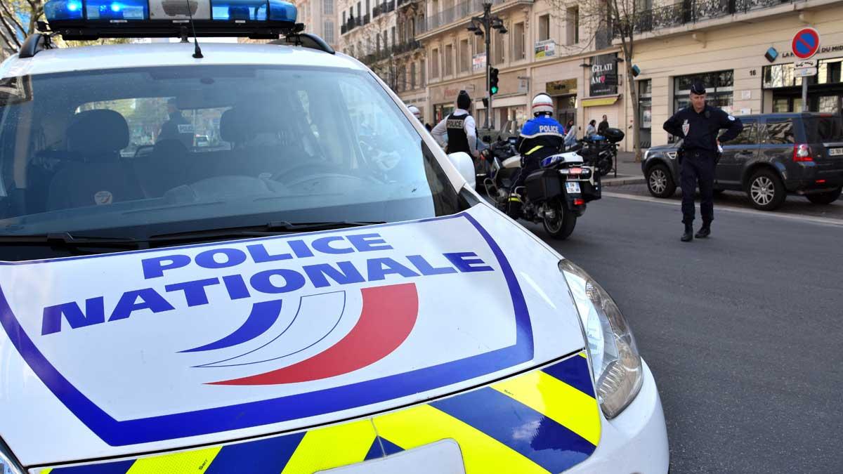 автомобиль Франция полиция