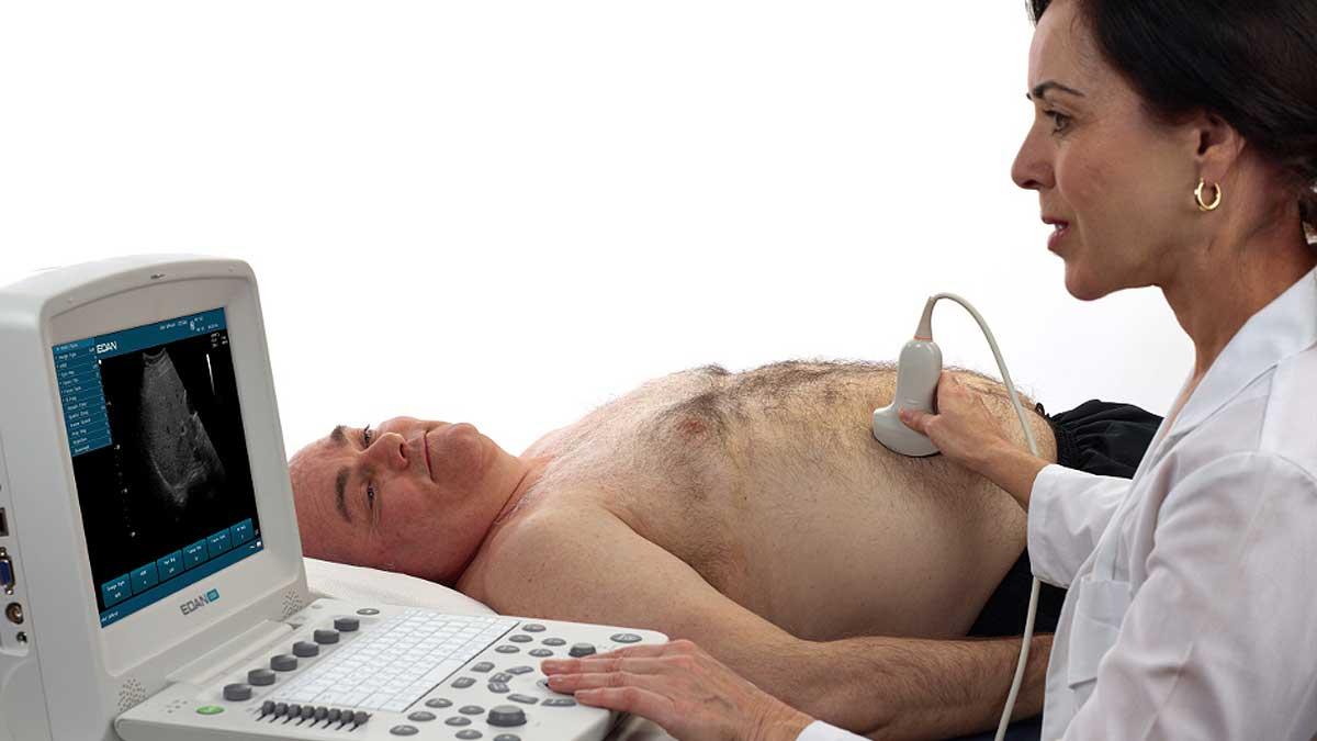 Мужчина живот ультразвуковое сканирование живота