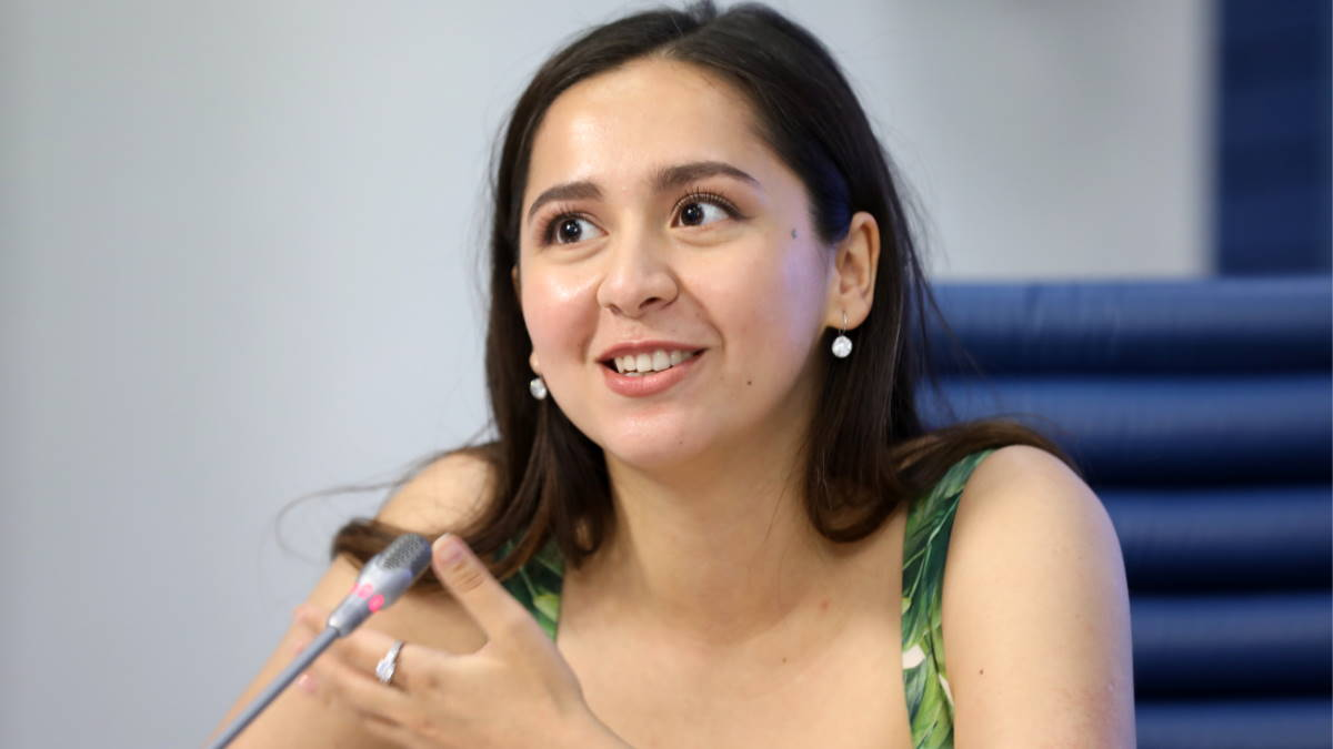 Певица Manizha - Манижа Сангин
