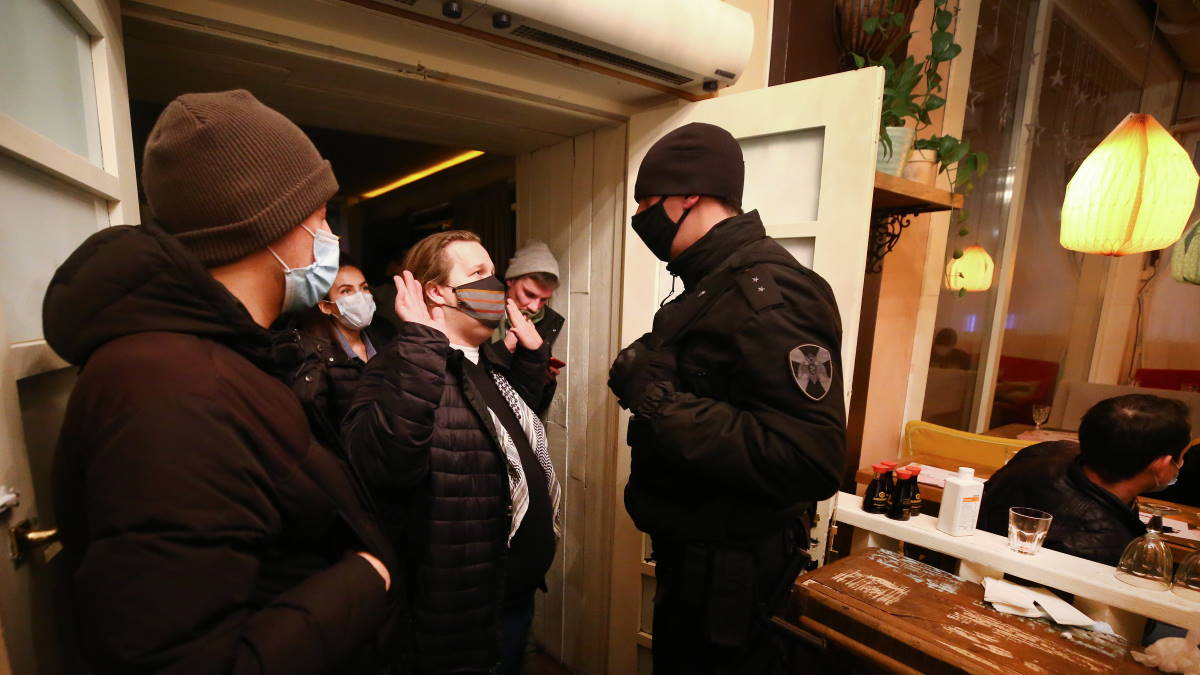 Рейд по выявлению нарушений в барах Санкт-Петербурга