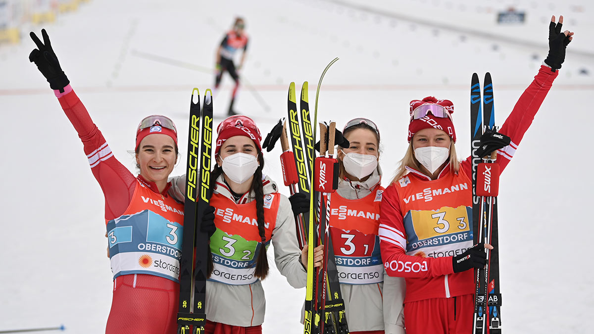 Женская сборная России по лыжным гонкам. Яна Кирпиченко, Юлия Ступак, Татьяна Сорина и Наталья Непряева.