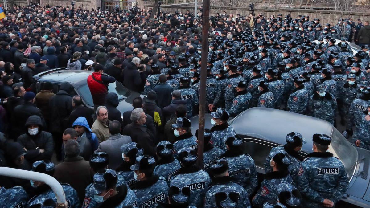 Армения Ереван протесты
