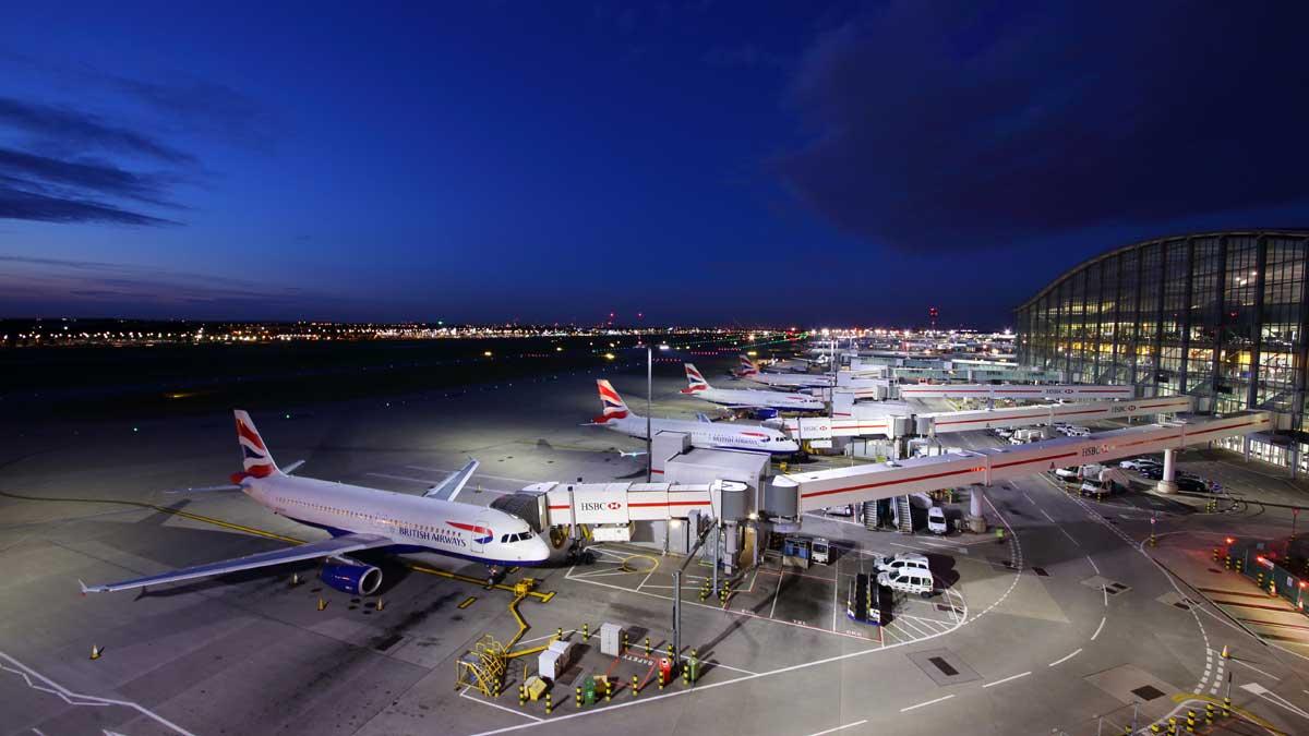 аэропорт самолет великобритания