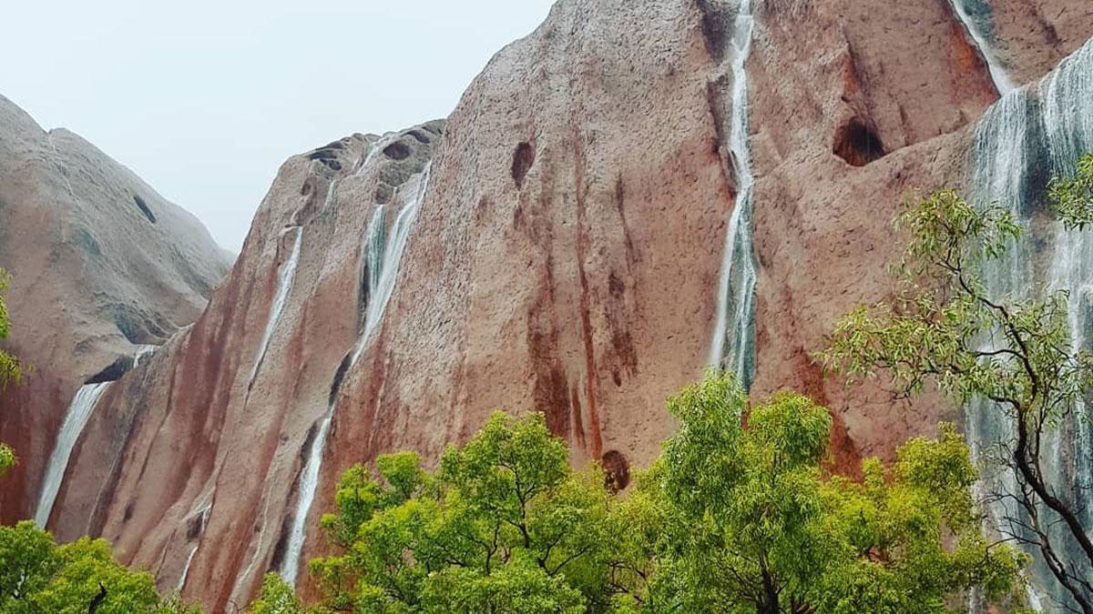 Национальный парк Улуру каскады воды