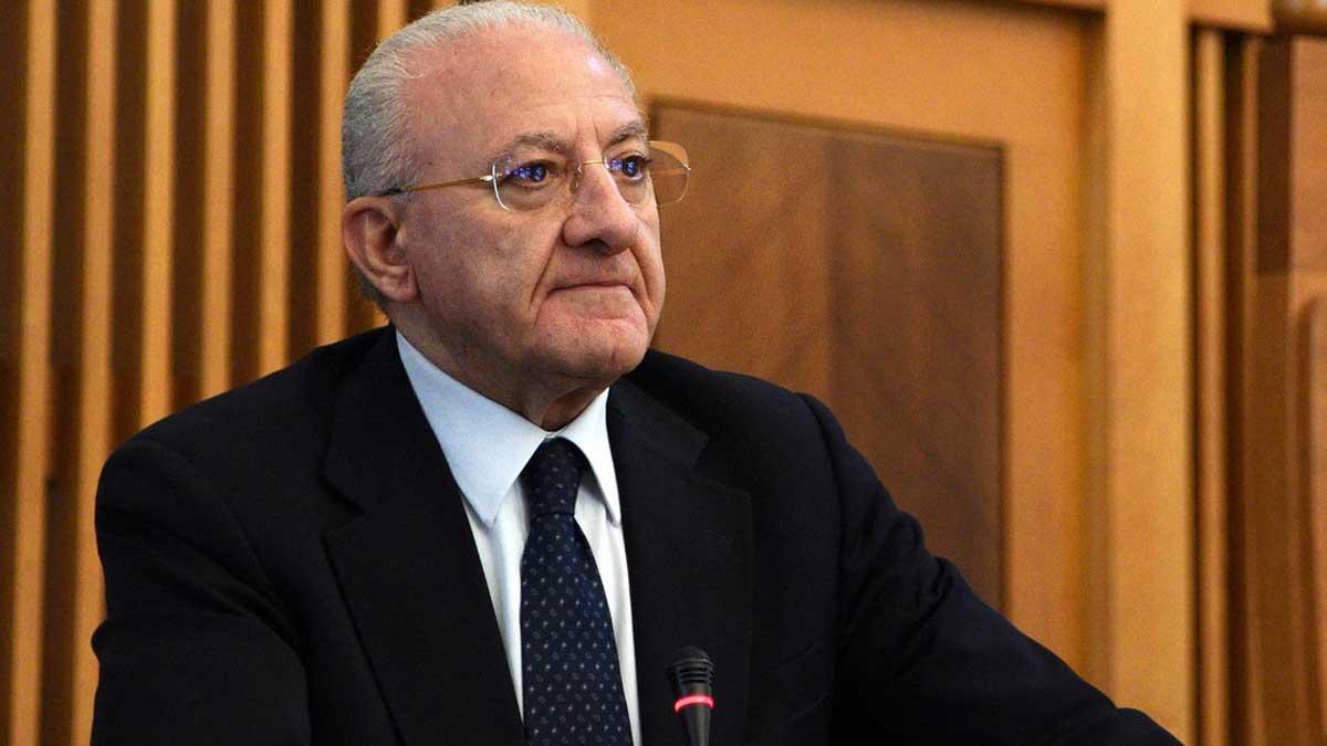 губернатор Винченцо Де Луки Итальянский политик