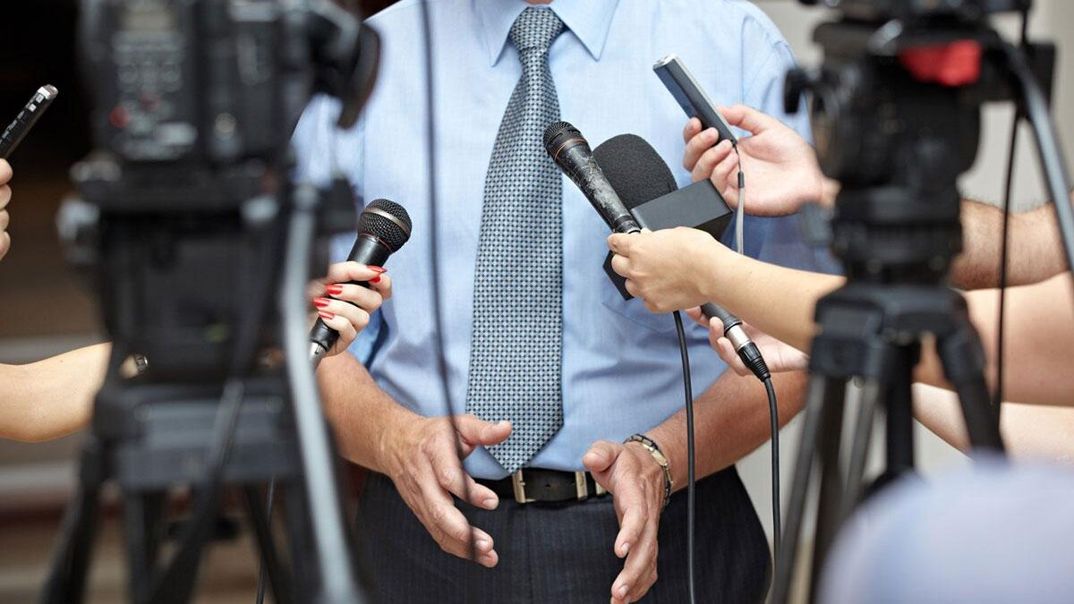 журналисты на брифинге