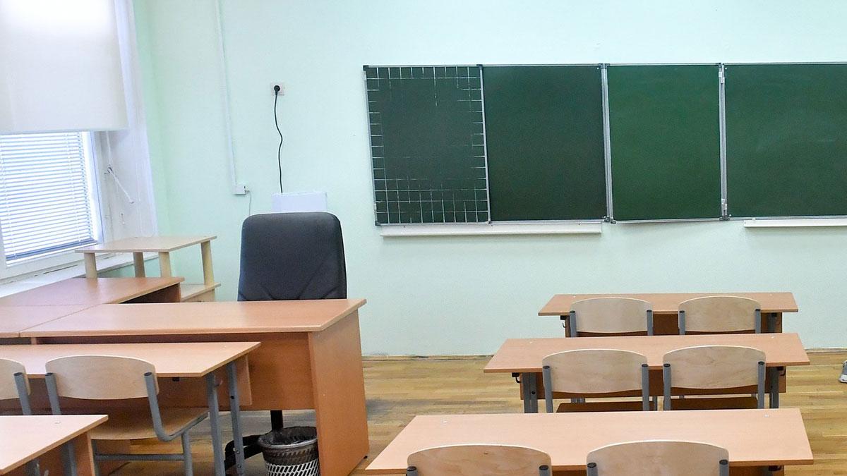 пустой класс школа парты