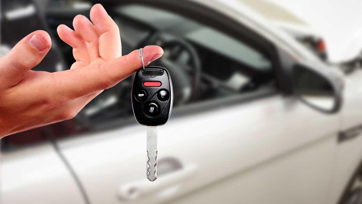 ключи рука автомобиль