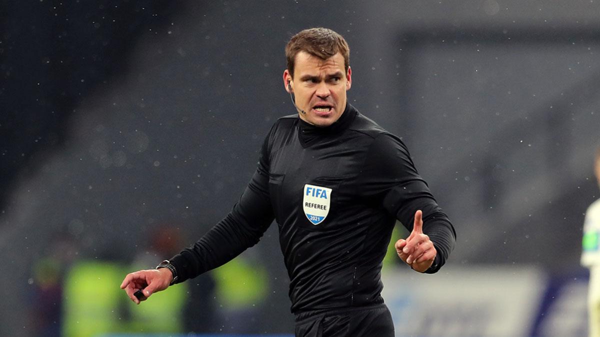 Российский футбольный судья Кирилл Левников