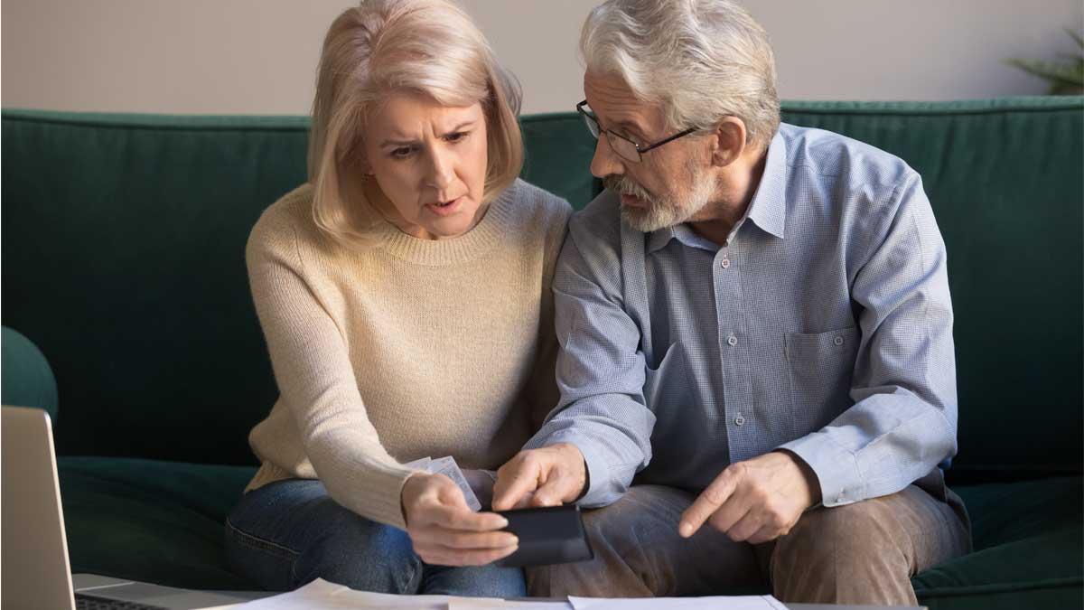 пожилые люди калькулятор бумаги