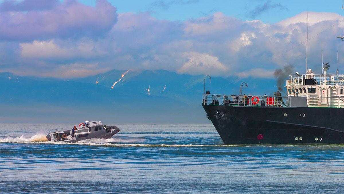 захват корабля террористы