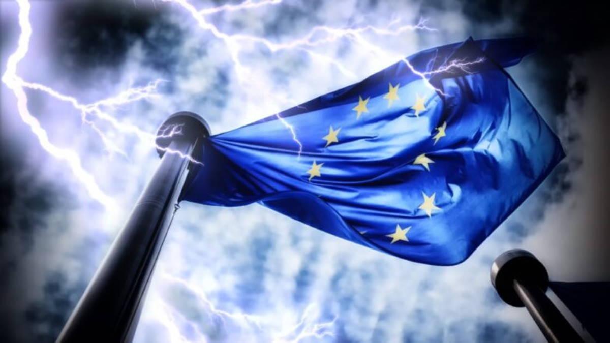 """Евросоюз продлил персональные санкции за """"подрыв суверенитета Украины"""""""