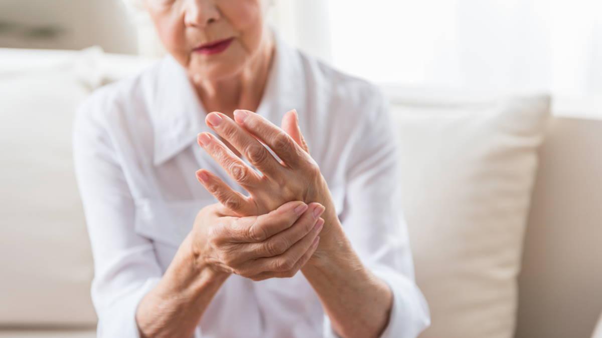 Артрит боль в руке