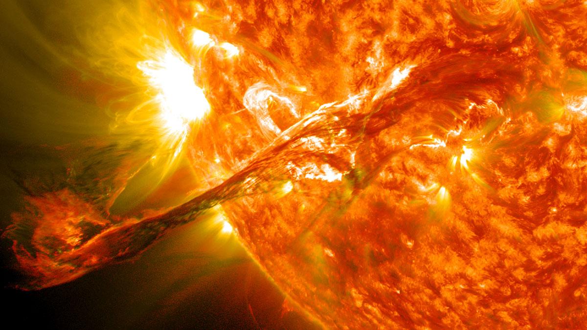 солнечный ветер вспышка на солнце