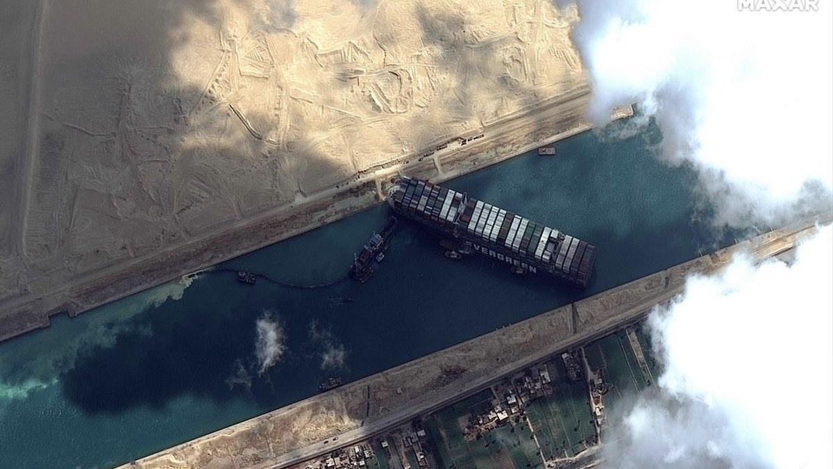 спутниковый снимок суэцкий канал