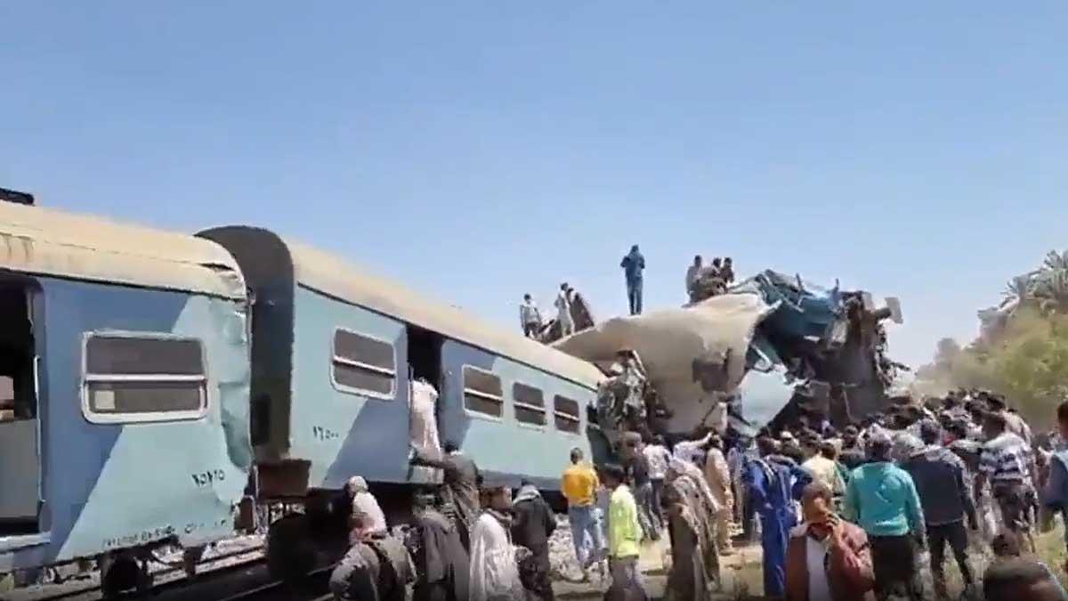 столкновение поездов Египет