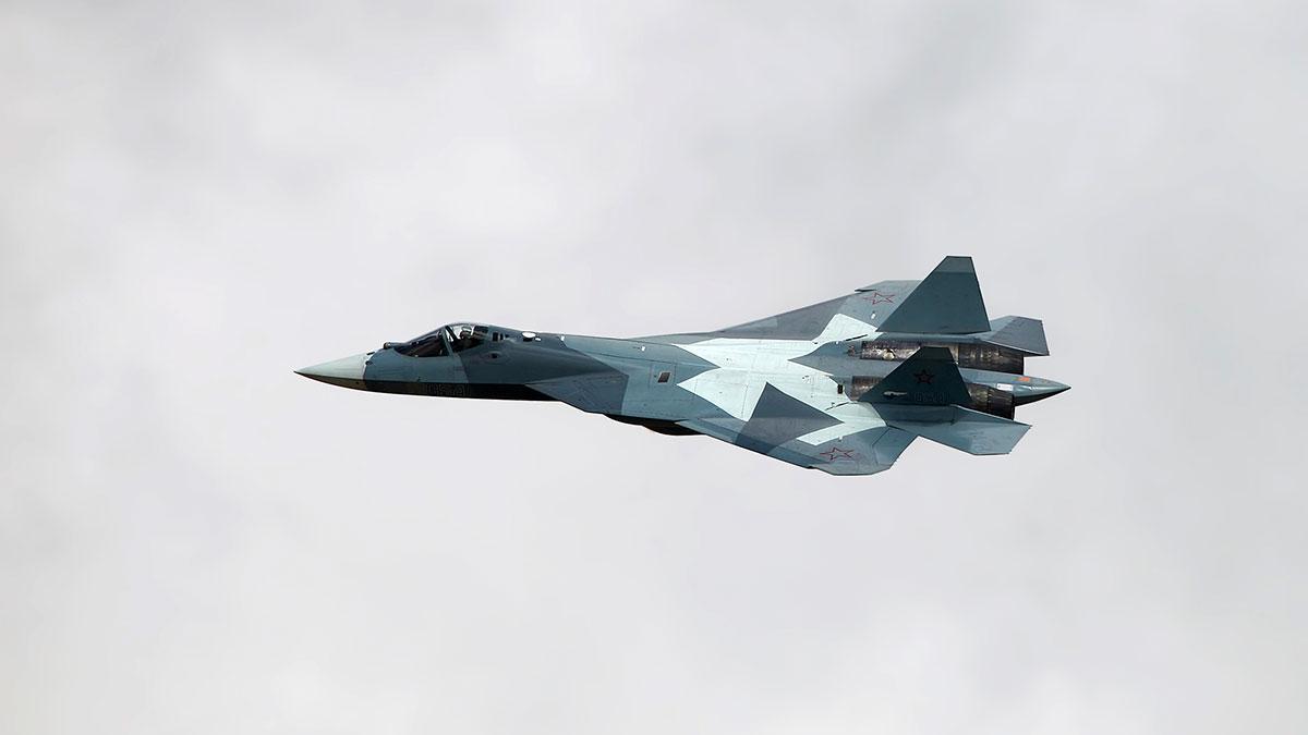Су-57 российский многофункциональный истребитель пятого поколения полет 2