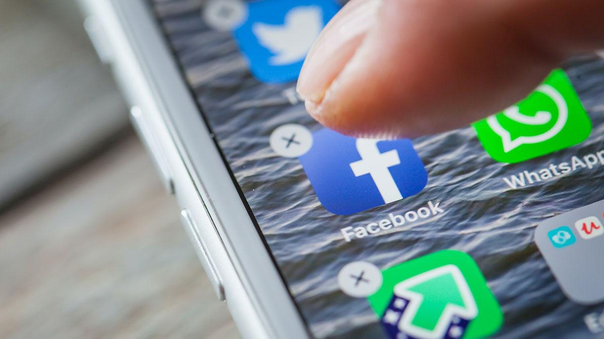 удаление приложений с телефона фейсбук
