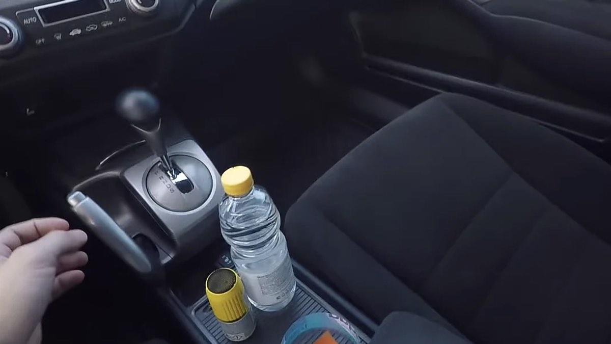 уксус в автомобиле