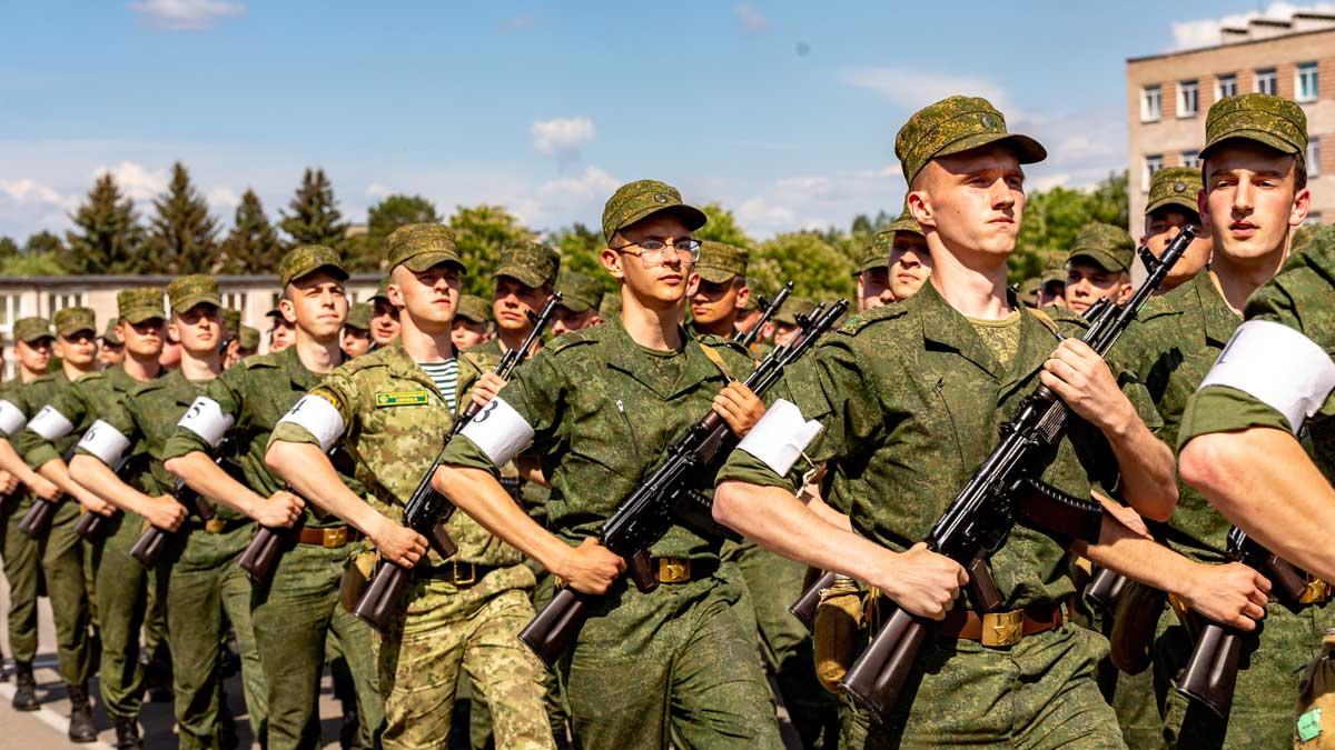 военные армия маршируют оружие