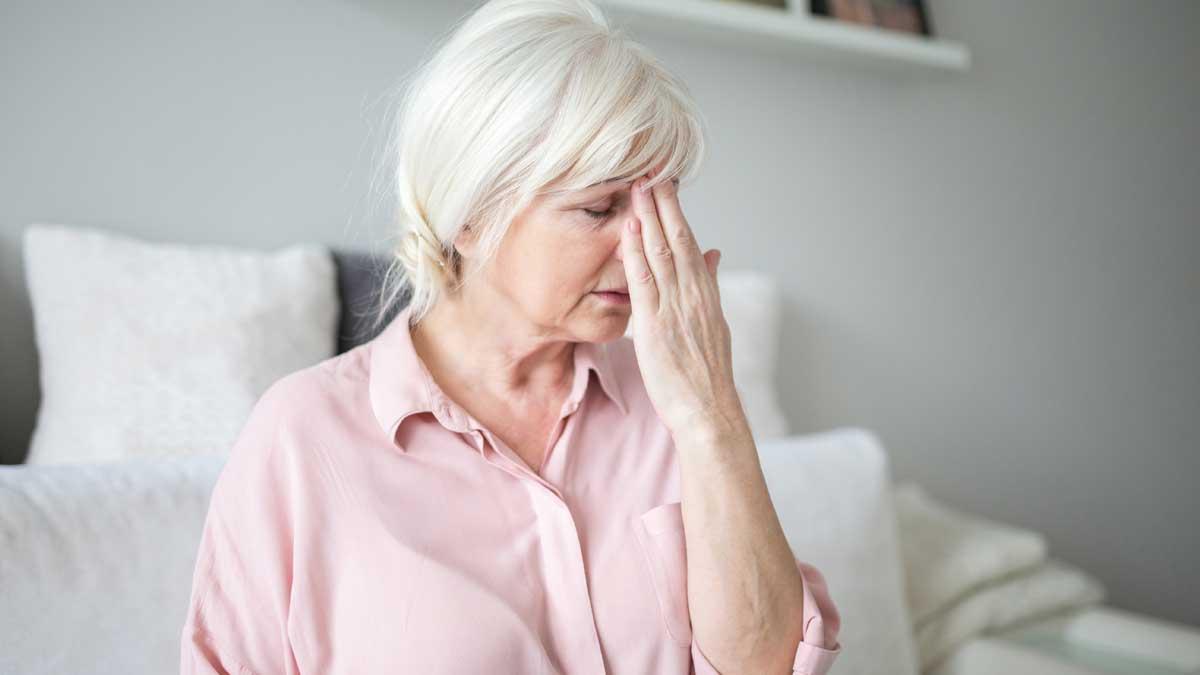 женщина болит голова head pain