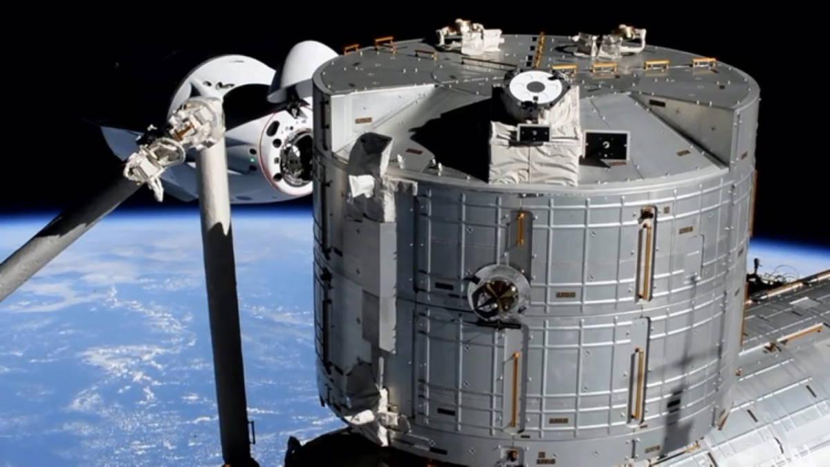 SpaceX Crew-2 Crew Dragon стыковка с МКС