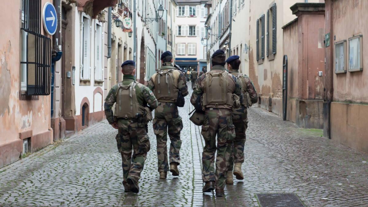 французский военный патруль