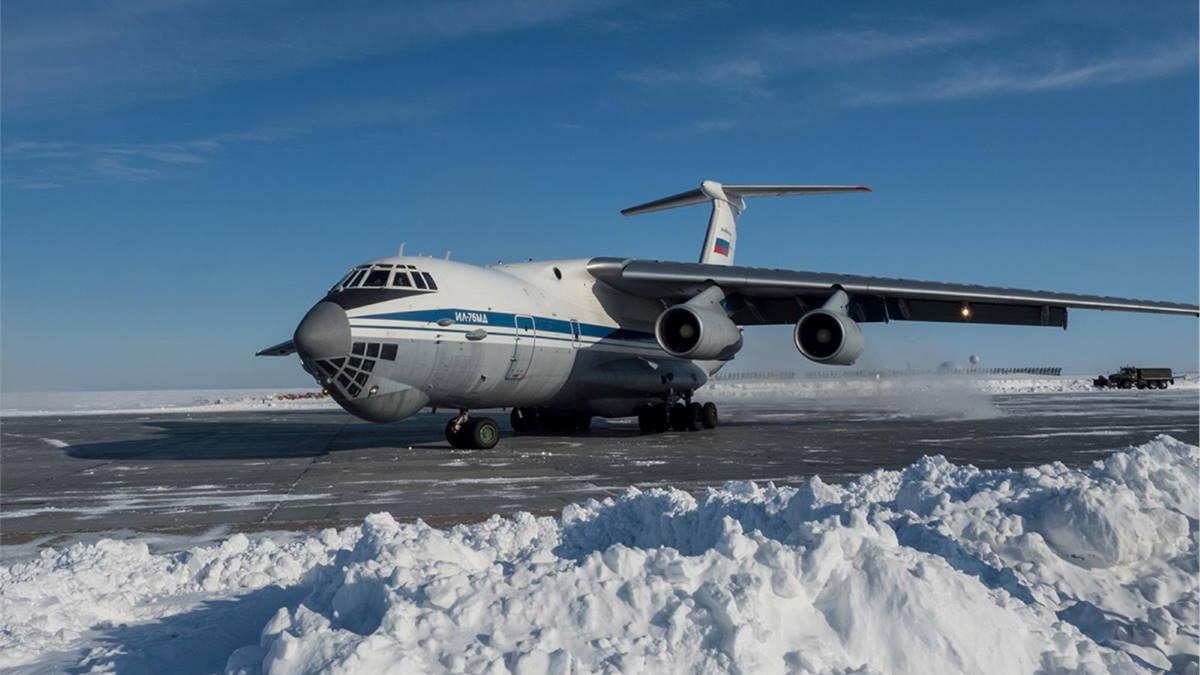 ИЛ-76МД военный аэродром
