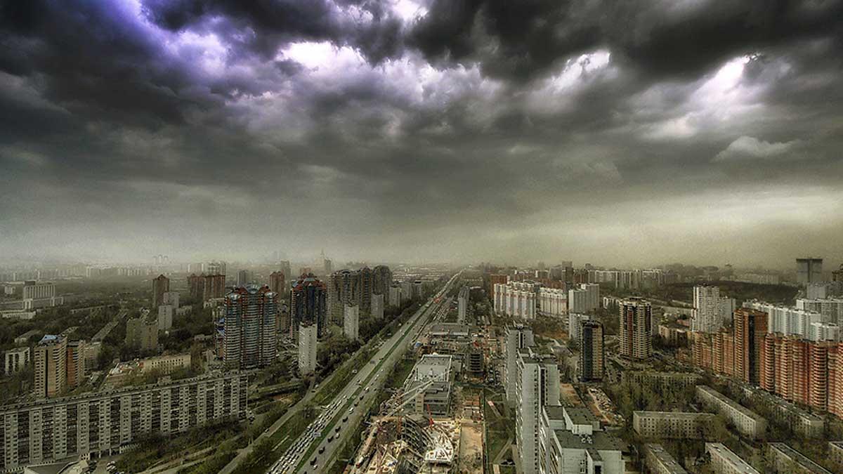 Москва тучи гроза шторм ветер