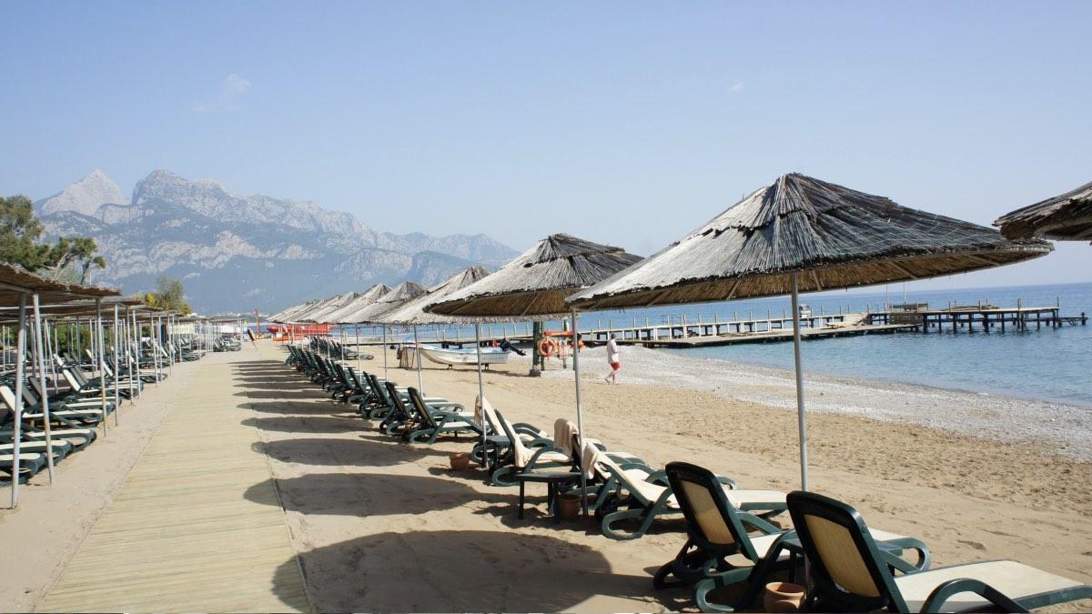 Пустой пляж в турции