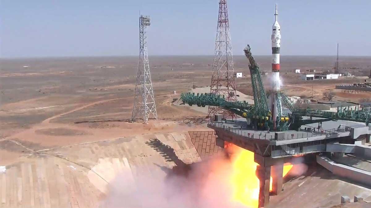 Ракета Союз МС-18 стартует с космодрома Байконур