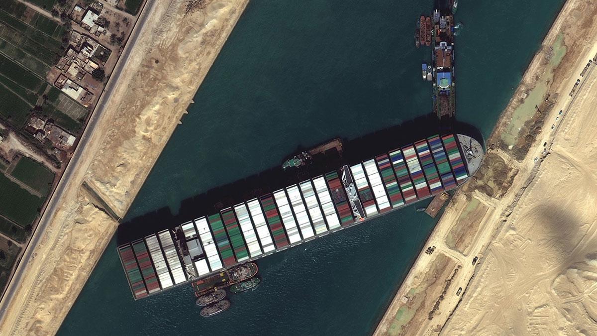 Суэцкий канал перекрытый контейнеровозом Ever Given
