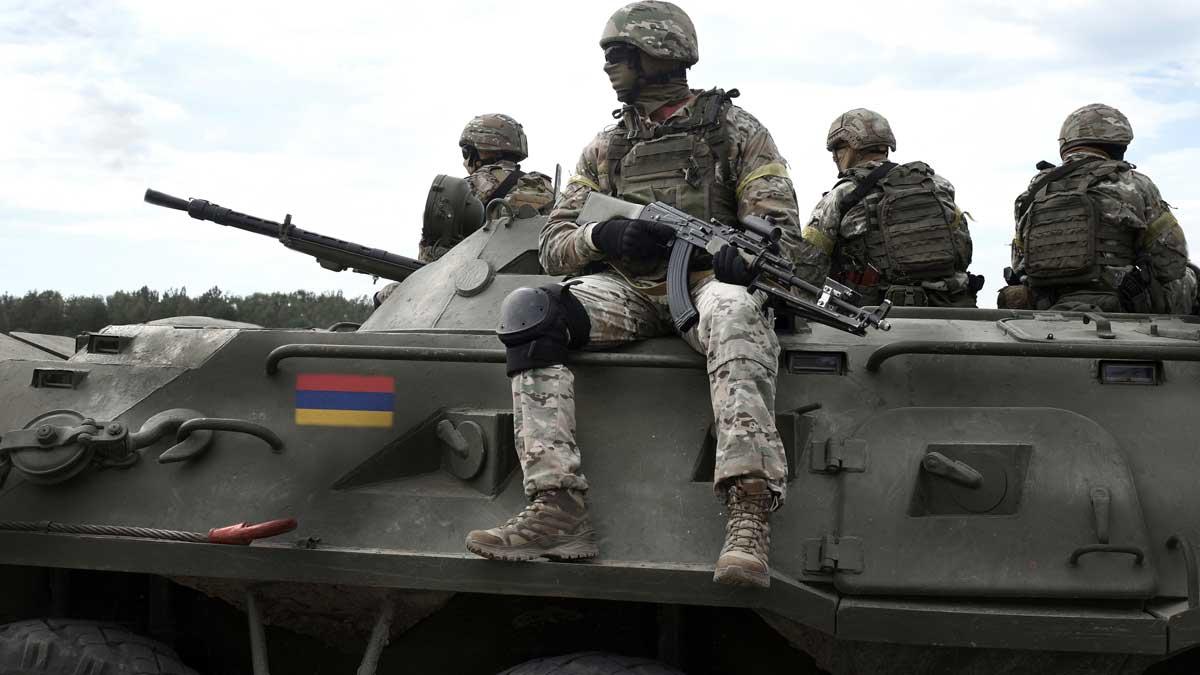 Танк флаг Армения солдаты