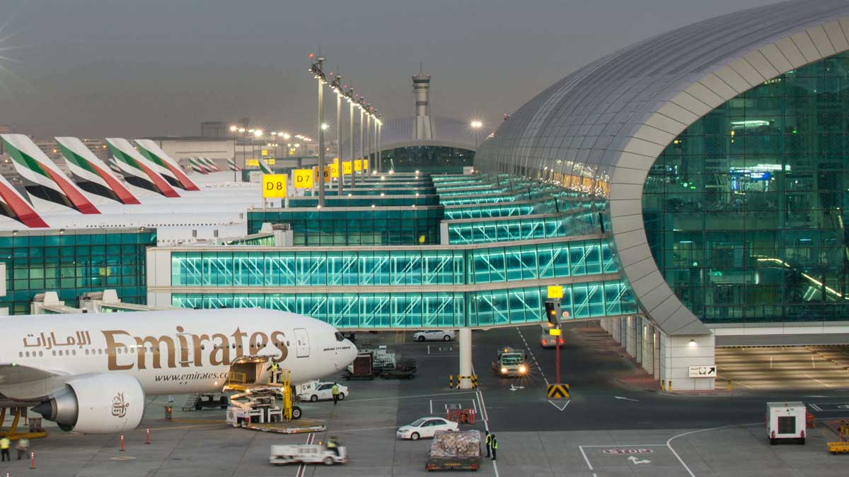 самолеты аэропорт Дубай ОАЭ
