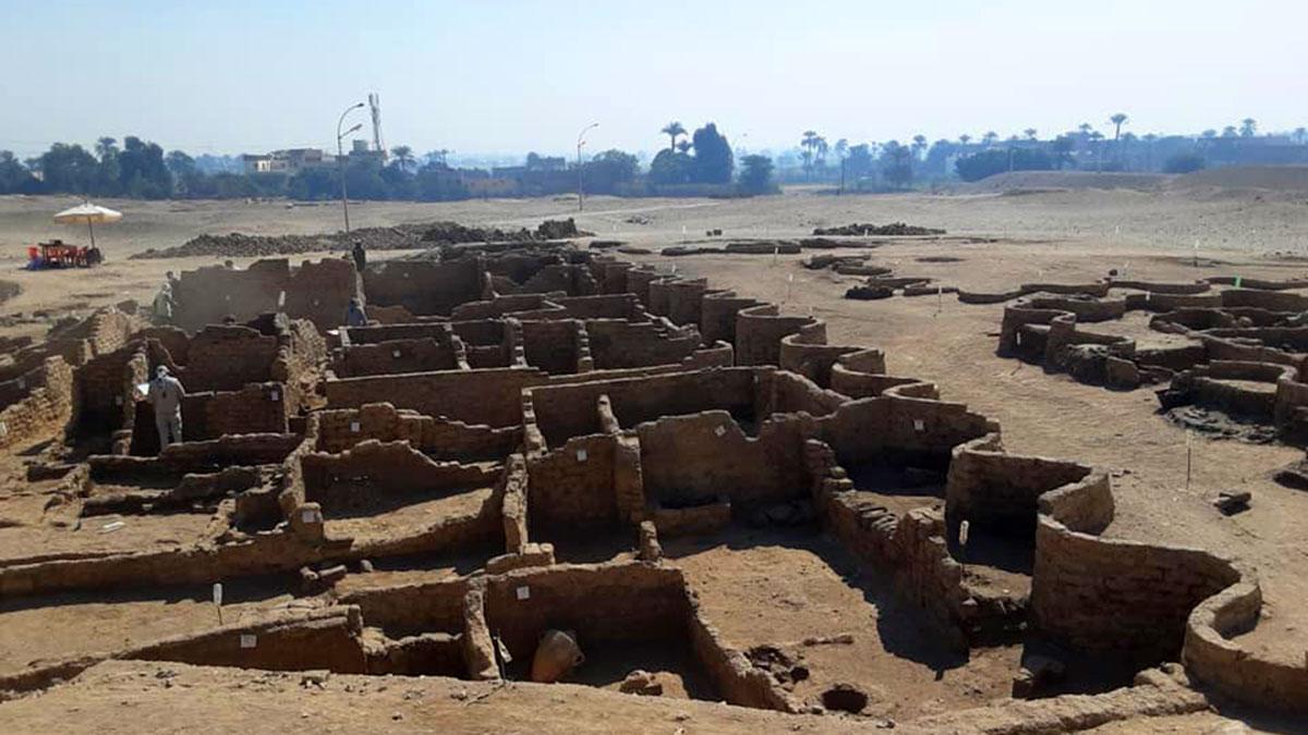 Египет луксор затерянный город «Вознесение Атона»
