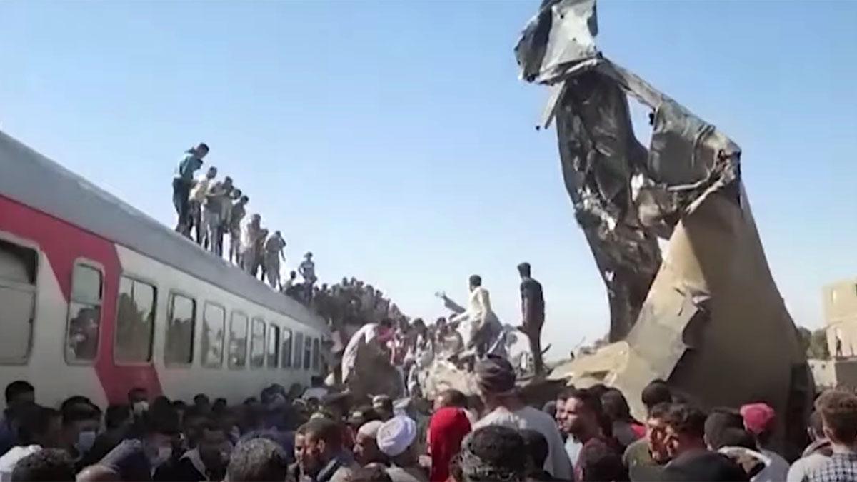 столкновение поездов в египте авария