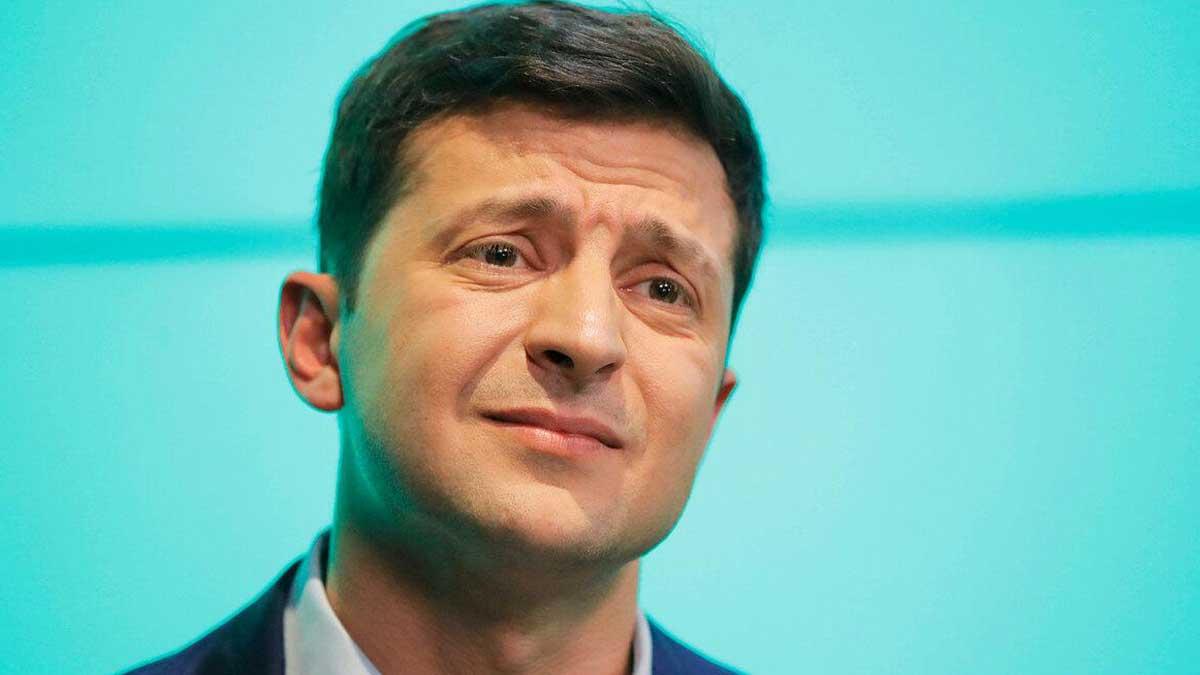 Зеленский проинформировал , что готов увидеться  сБайденом досаммита сПутиным