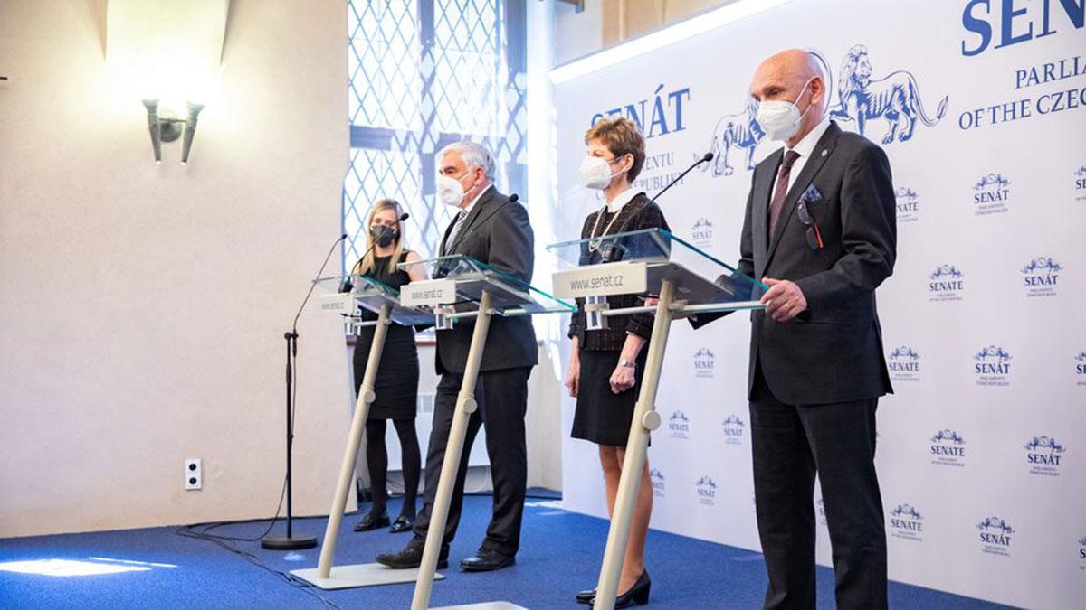 сенат чехии пресс-конференция