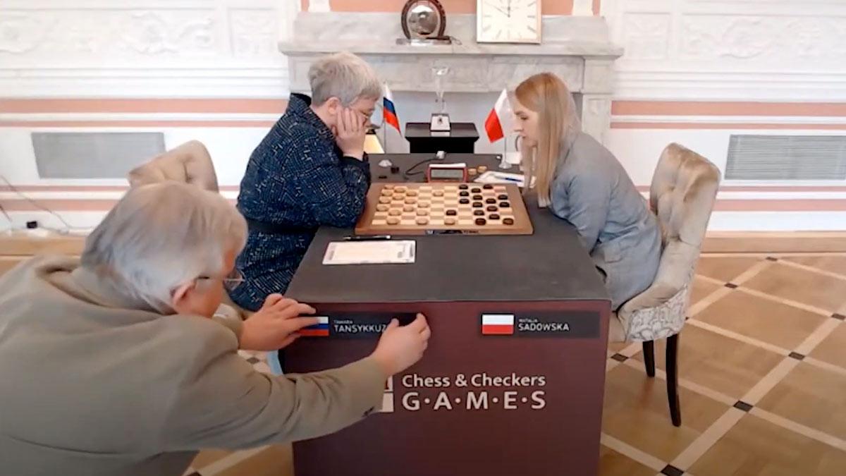 скандал с российским флагом на ЧМ по шашкам